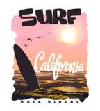 Τυπογραφία κυματωγών Καλιφόρνιας, γραφική παράσταση μπλουζών, διανύσματα Στοκ Εικόνες