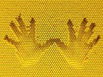 Τυπωμένη ύλη δύο χεριών στο κίτρινο υπόβαθρο παιχνιδιών καρφιτσών Στοκ εικόνα με δικαίωμα ελεύθερης χρήσης