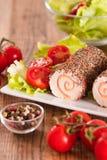 Τυρί αιγών με τις ντομάτες σαλάτας και κερασιών Στοκ φωτογραφία με δικαίωμα ελεύθερης χρήσης