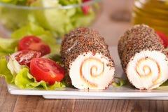 Τυρί αιγών με τις ντομάτες σαλάτας και κερασιών Στοκ Εικόνες