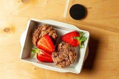 Τυρί εξοχικών σπιτιών μη-υδατανθράκων cupcakes στοκ εικόνα