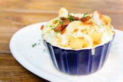 Τυρί και μπέϊκον μακαρονιών Στοκ εικόνα με δικαίωμα ελεύθερης χρήσης