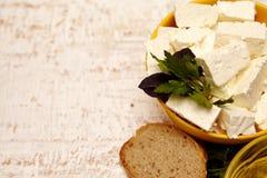 Τυρί και ψωμί εξοχικών σπιτιών στοκ φωτογραφία με δικαίωμα ελεύθερης χρήσης