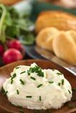 Τυρί κρέμας με τα φρέσκα κρεμμύδια Στοκ Εικόνα