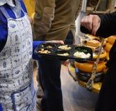 Τυρί που δοκιμάζει την Ολλανδία Στοκ εικόνα με δικαίωμα ελεύθερης χρήσης