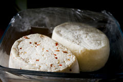 Τυρί πώλησης Primo που αρωματίζεται με το συντριμμένο πιπέρι Στοκ Φωτογραφία