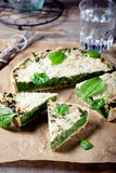 Τυρί σπανακιού και γραβιέρας ξινό Στοκ Φωτογραφία