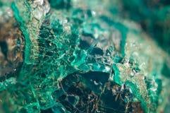 Τυρκουάζ φυσική σύσταση από το φυσικό υλικό κρύσταλλα Μακροεντολή αφηρημένη ανασκόπηση στοκ εικόνα