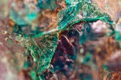 Τυρκουάζ φυσική σύσταση από το φυσικό υλικό κρύσταλλα Μακροεντολή αφηρημένη ανασκόπηση στοκ φωτογραφίες