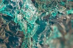Τυρκουάζ φυσική σύσταση από το φυσικό υλικό κρύσταλλα Μακροεντολή αφηρημένη ανασκόπηση στοκ εικόνες