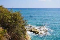 Τυρκουάζ όμορφες παραλίες του νησιού της Ελλάδας - Άνδρου, Κυκλάδες στοκ φωτογραφία με δικαίωμα ελεύθερης χρήσης