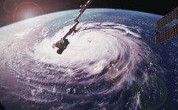 Τυφώνας Φλωρεντία πέρα από το Atlantics κοντά στην αμερικανική ακτή, που αντιμετωπίζεται από το διαστημικό σταθμό στοκ εικόνα