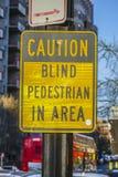 Τυφλός πεζός σημαδιών οδών στην περιοχή - WASHINGTON DC - ΚΟΛΟΥΜΠΙΑ - 7 Απριλίου 2017 Στοκ εικόνα με δικαίωμα ελεύθερης χρήσης