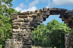 Των Μάγια καταστροφή σε Cozumel, Μεξικό στοκ εικόνες