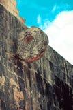 Των Μάγια στόχος παιχνιδιών σφαιρών στο αρχαίο στάδιο Στοκ φωτογραφία με δικαίωμα ελεύθερης χρήσης