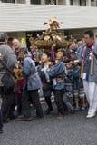 Τόκιο, Ιαπωνίας - 14.2017 Μαΐου: Τα παιδιά έντυσαν στον παραδοσιακό Kim Στοκ Φωτογραφίες