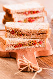 Τόνος, ελιές και σάντουιτς ντοματών Στοκ εικόνες με δικαίωμα ελεύθερης χρήσης