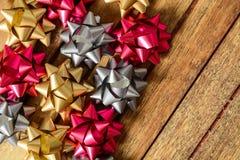 Τόξα τριών χρωμάτων για τα δώρα Στοκ εικόνα με δικαίωμα ελεύθερης χρήσης
