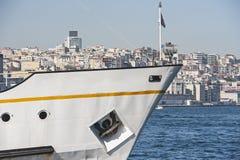 Τόξο ενός μεγάλου σκάφους στο λιμένα Στοκ φωτογραφίες με δικαίωμα ελεύθερης χρήσης