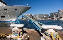 Τόξο του κρουαζιερόπλοιου στο λιμάνι Αυστραλία του Σίδνεϊ Στοκ φωτογραφία με δικαίωμα ελεύθερης χρήσης