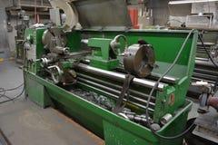 Τόρνος στο εργαστήριο εφαρμοσμένης μηχανικής Στοκ Φωτογραφίες