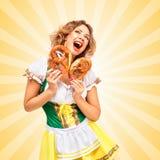 Τόσο ευχαριστημένος από pretzels στοκ εικόνα