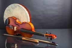 Τύμπανο και βιολί Στοκ Εικόνες