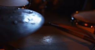 Τύμπανο παιχνιδιού τυμπανιστών στο στούντιο απόθεμα βίντεο