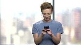 Τύπος εφήβων που χρησιμοποιεί το smartphone φιλμ μικρού μήκους