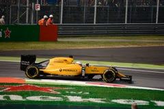 Τύπος 1 της Renault σε Monza που οδηγείται από το Kevin Magnussen Στοκ Εικόνες