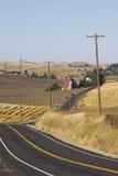 Τύλιγμα της αγροτικής εθνικής οδού στη χώρα Palouse στο νοτιοανατολικό πολιτεία της Washington Στοκ Φωτογραφίες