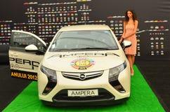 Υβριδικό αυτοκίνητο Ampera Opel σε SIAMB 2012 στοκ εικόνα