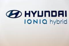 Υβριδικός θάλαμος αυτοκινήτων της Hyundai Ioniq, βυσματωτή Ουκρανία 2017 έκθεση του Κίεβου Στοκ Εικόνες