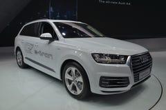 Υβριδικό quattro SUV Audi Q7 ε -ε-tron στοκ εικόνα με δικαίωμα ελεύθερης χρήσης