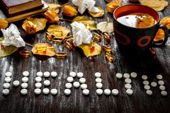 Υγεία έννοιας - θεραπεία με το καυτό τσάι και ιατρική Στοκ φωτογραφίες με δικαίωμα ελεύθερης χρήσης