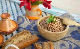 Υγιές γεύμα: βρασμένα δημητριακά φαγόπυρου Στοκ Φωτογραφία