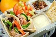 υγιές καλαθάκι με φαγητό κατσικιών Στοκ εικόνες με δικαίωμα ελεύθερης χρήσης