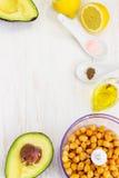 Υγιές κρεμώδες αβοκάντο Hummus στοκ εικόνες