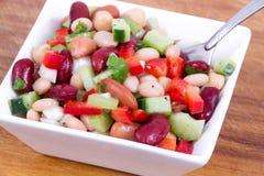 Υγιές μικτό κύπελλο σαλάτας φασολιών Στοκ Εικόνα