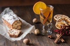 Υγιές οργανικό σπιτικό ποτό εορτασμού διακοπών στο γυαλί στοκ εικόνα