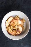 Υγιές πρόχειρο φαγητό από τη μαγειρευμένη Apple με την κανέλα Στοκ φωτογραφίες με δικαίωμα ελεύθερης χρήσης