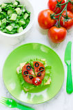 Υγιές πρόχειρο φαγητό σάντουιτς Ladybug για τα παιδιά Στοκ φωτογραφία με δικαίωμα ελεύθερης χρήσης