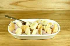 Υγιές πρόχειρο φαγητό φρούτων Στοκ φωτογραφία με δικαίωμα ελεύθερης χρήσης