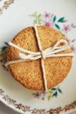 Υγιές σπίτι που γίνεται oatmeal τα μπισκότα στοκ εικόνα