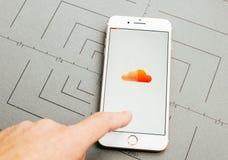Υγιές σύννεφο app στο iPhone 7 συν τα προγράμματα εφαρμογών Στοκ φωτογραφίες με δικαίωμα ελεύθερης χρήσης