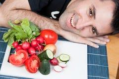 υγιής άνδρας αγαπών τροφίμ&omeg Στοκ Εικόνα
