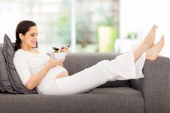 Υγιής έγκυος γυναίκα Στοκ φωτογραφία με δικαίωμα ελεύθερης χρήσης