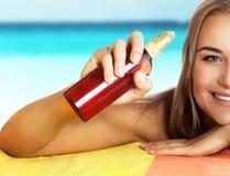 Υγιής ασφαλής έννοια μαυρίσματος στοκ φωτογραφία με δικαίωμα ελεύθερης χρήσης