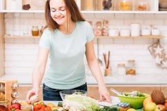 Υγιής βάρους τρόπος ζωής ισορροπίας απώλειας θρεπτικός στοκ εικόνα με δικαίωμα ελεύθερης χρήσης
