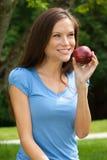 υγιής γυναίκα μήλων στοκ εικόνες